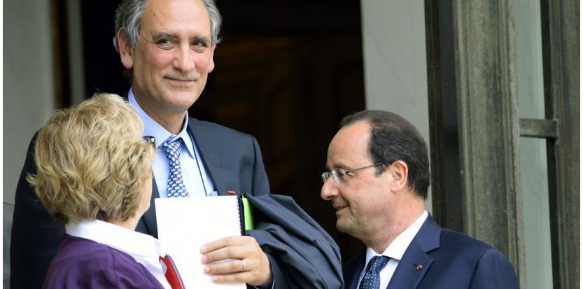 Geneviève Fioraso avec François Hollande et Jean-Loup Salzmann (c) AFP