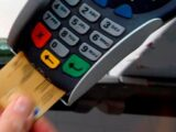Serveurs, coiffeurs... l'Assemblée vote la défiscalisation des pourboires par carte bancaire pendant deux ans