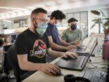 Masque au bureau: pas de répit dans les open spaces