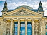 DAX: L'indice allemand bute sur les 10090 points.